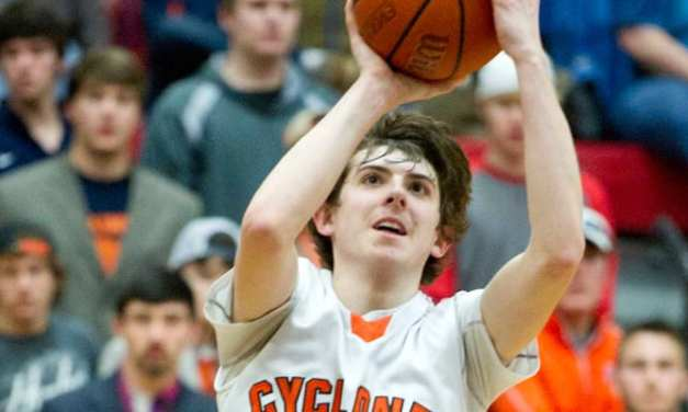 Cyclones storm past Grainger to advance