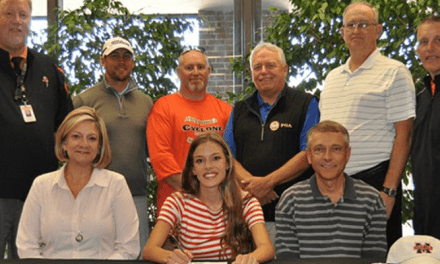 Elizabethton's Hinkle signs with women's golf