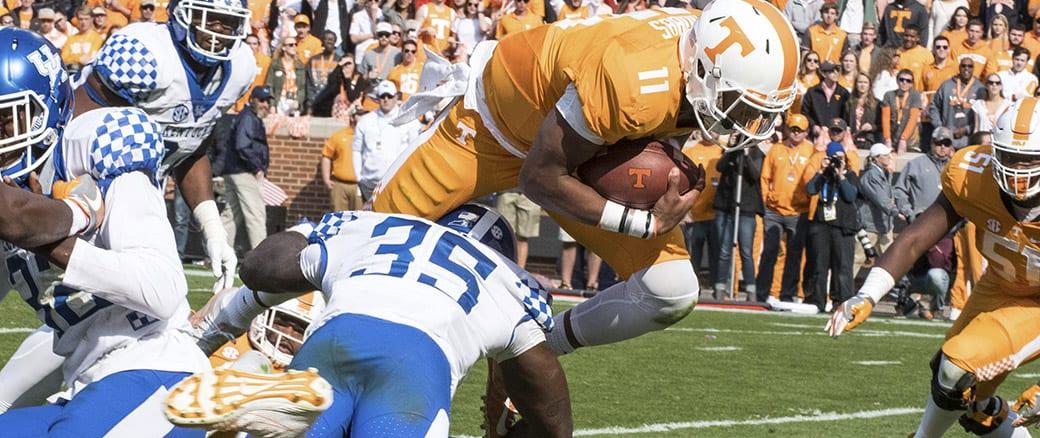 Photo Gallery: Dobbs, Vols run past Kentucky