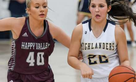 'Landers, Lady 'Landers take wins over HV