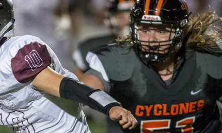 Cyclones pull away from Rebels