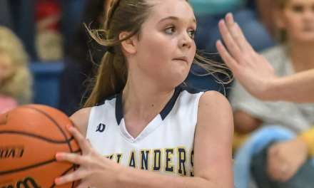 Lady 'Landers roll to win over UH; 'Landers fall to Bucs