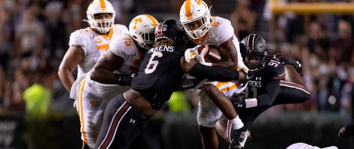 Vols fend off Gamecocks in season opener