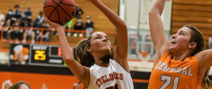 Lady Cyclones fall at buzzer in District 1-AA Semifinal