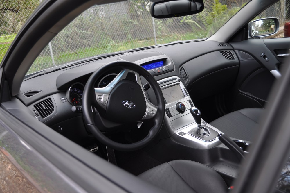medium resolution of hyundai genesi coupe interior