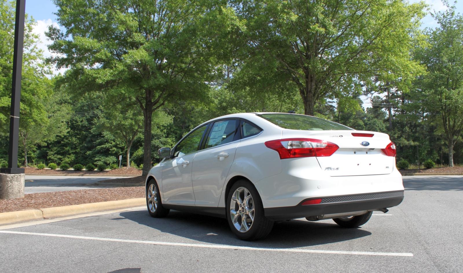 hight resolution of 2012 ford focus sel sedan