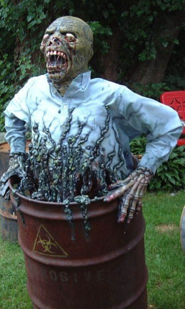 25 Scary Halloween Decorations for Outdoor Party