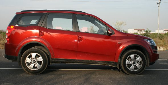 mahindra-xuv500-side-photo-gallery2