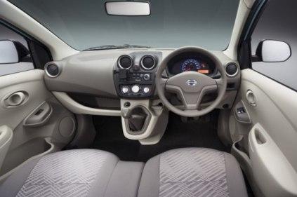 datsun-go-interior-1