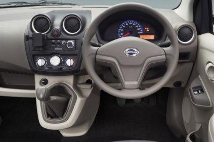 datsun-go-interior-4