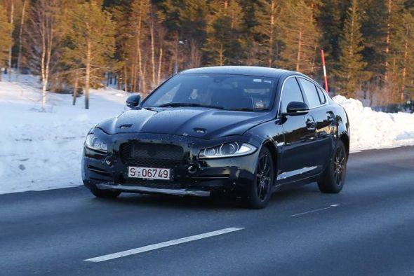 Jaguar XS Sedan Spyshot Photo