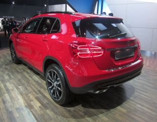 Mercedes Benz GLA Crossover 6