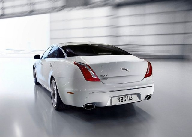 2014 Jaguar XJ Luxury Saloon Rear Picture