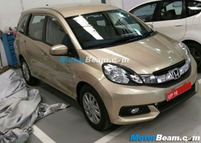Honda Mobilio MPV spotted at a dealership ahead of its July 2014 launch in India image