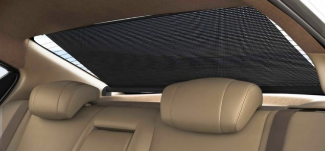 Renault Scala Travelogue Edition Sun Blind for Rear Windscreen