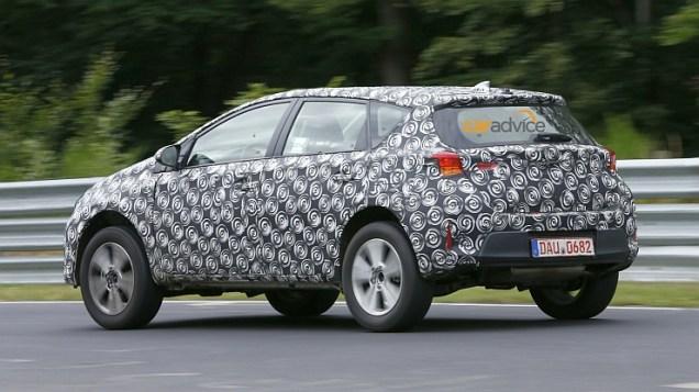 Toyota Corolla Crossover Spyshot 3