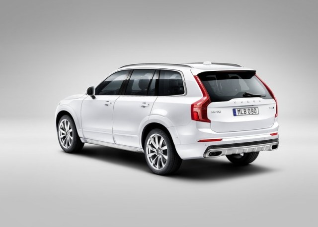 2015 Volvo XC90 Luxury SUV 4