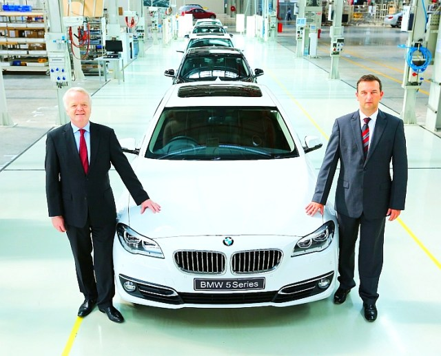 L-R Mr. Philipp von Sahr, President – BMW India with Mr. Robert Frittrang, MD – BMW Factory Chennai