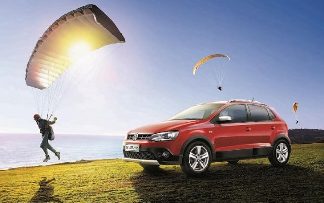 Volkswagen-cross-polo-petrol