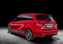 2015 Mercedes Benz B-Class Hatchback Facelift Rear Three Quarters