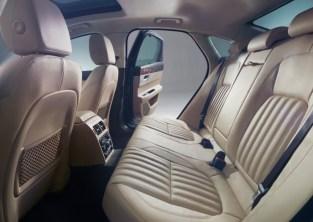 2016 Jaguar XF Luxury Saloon 5