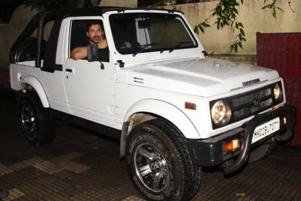 John Abraham with his Maruti Suzuki Gypsy