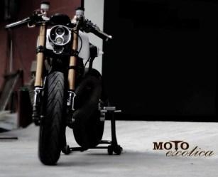 Motoexotica's Yamaha RD350 Retro Cafe Racer 5