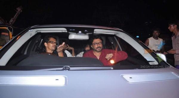 290668-sanjay-leela-bhansali-arrives-at-shahrukh-khan-grand-eid-party.jpg