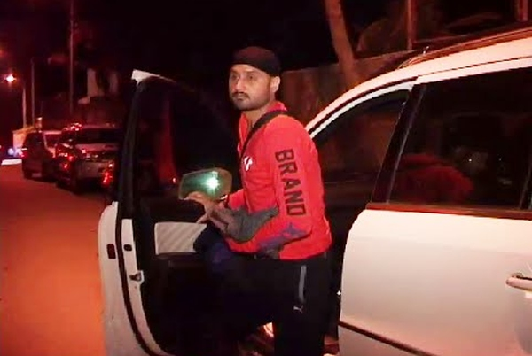 Harbhajan Singh with his Mercedes Benz GL-Class SUV