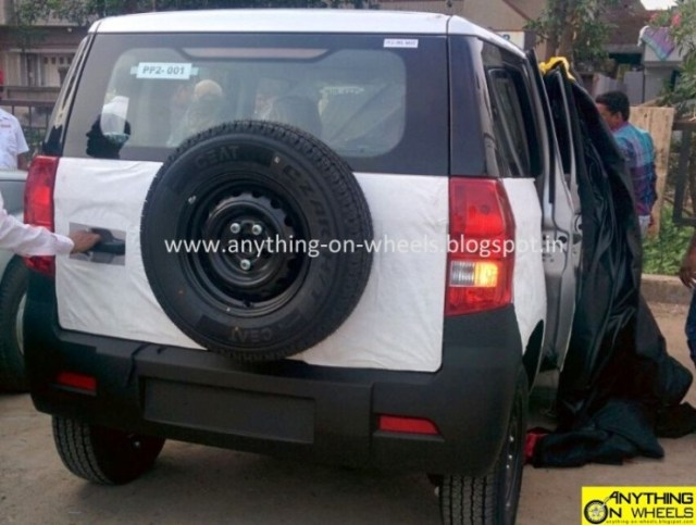 Mahindra TUV300 Compact SUV Spyshot 2