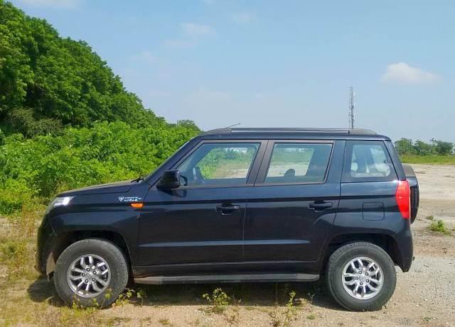 Mahindra TUV300 14