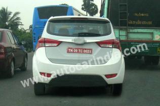 Hyundai IP MPV Spyshot 1