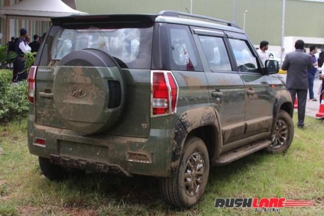 Mahindra TUV300 accessory rear