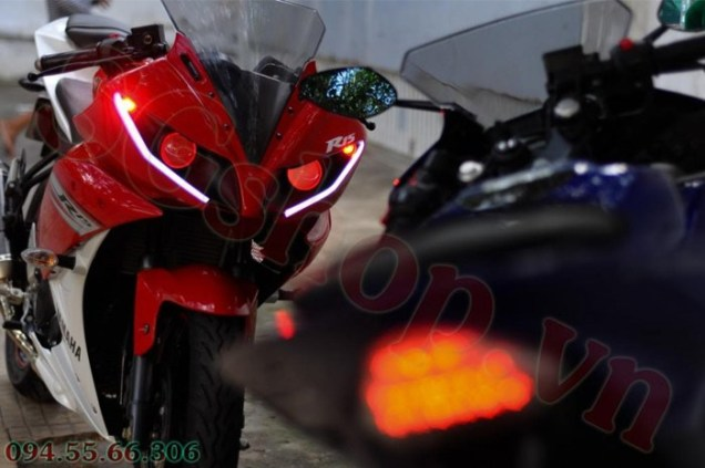 Modified Yamaha R15 headlamps