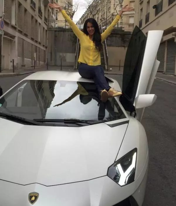 Mallika Sherawat with his Lamborghini Aventador