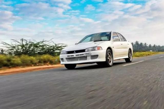 Mitsubishi-Lancer-V6-1