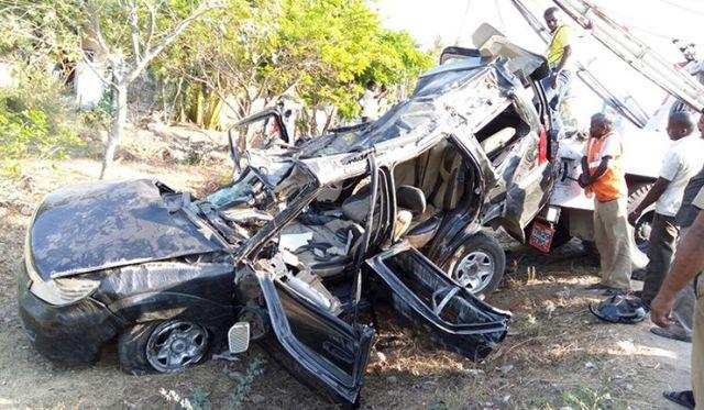 Tata Safari Storme Tyre Burst