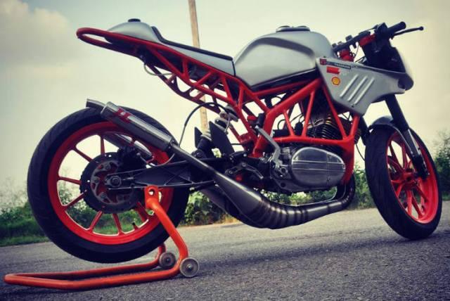Yamaha_RD_350_Chandigarh_Amatuer_Builder