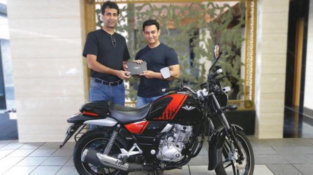 Aamir Khan with his Bajaj V15 3
