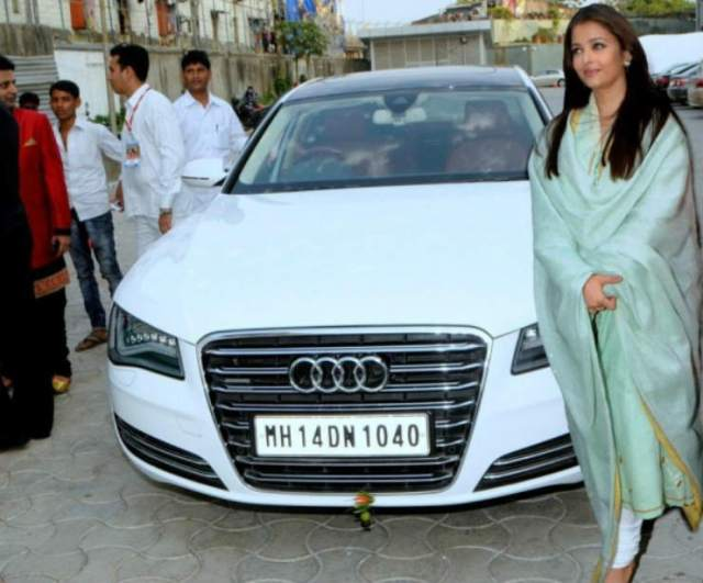 Aishwarya-Rai-in-Abhishek-Bachchans-Audi-A8L