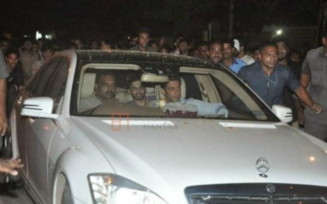Salman-Khan-in-his-W221-Mercedes-Benz-S-Class