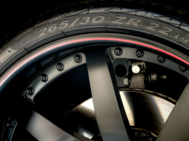 11-low-profile-tyre-02