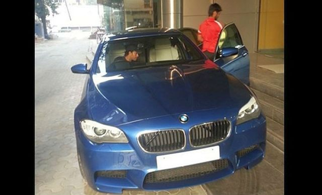 Sachin-Tendulkar-in-the-BMW-M5