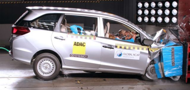 crash-test-of-honda-mobilio_827x510_81474285986