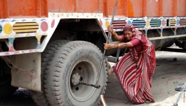 Shanti Devi Truck Mechanic 2