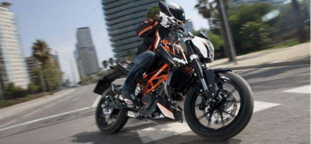 KTM-390-Duke-abs-2013-