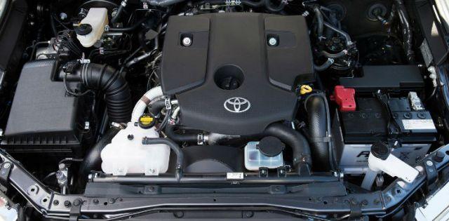 Toyota-Fortuner-2016-1280-14