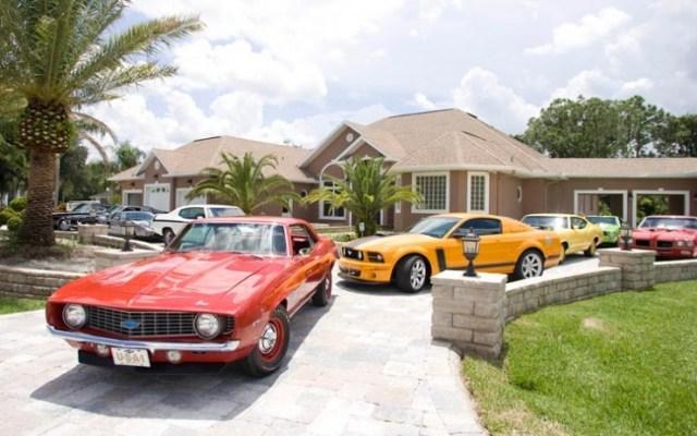 112_0903_12z-john_cena_celebrity_drive-driveway_of_cars