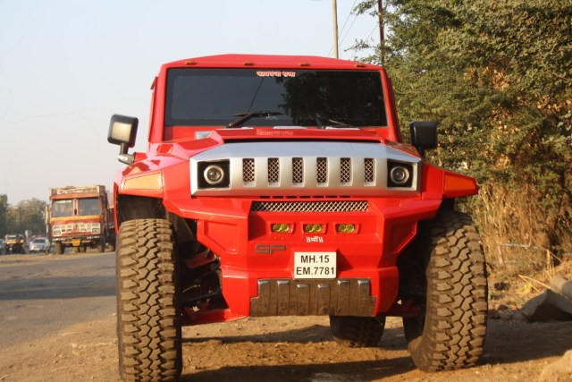 mahindra thar modified to look like hummer. Black Bedroom Furniture Sets. Home Design Ideas
