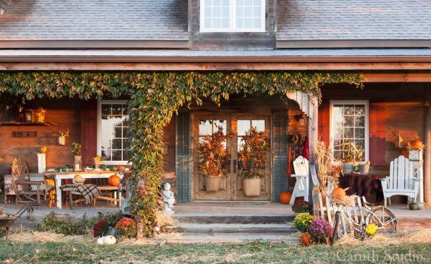 Vintage-Style fall porch party